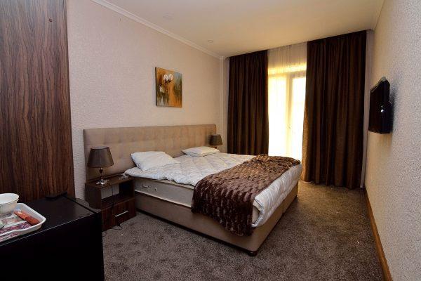 "Twin Room (""Standard+"", 1 Room)"